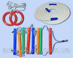 Мотузковий набір кольоровий для дитячих ігор: кільця гімнастичні, мотузки.