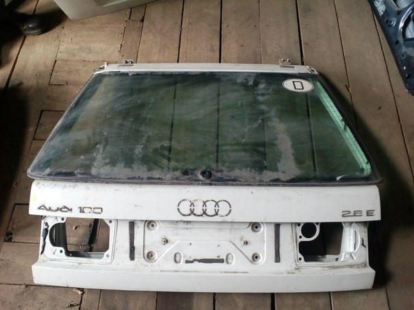 Audi A6 Пікап 1995 Кришка багажника з склом