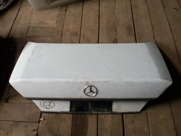 Mercedes 124 Кришка багажника