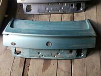 Volkswagen B3 крышка багажника  седан   #18 з спойлером