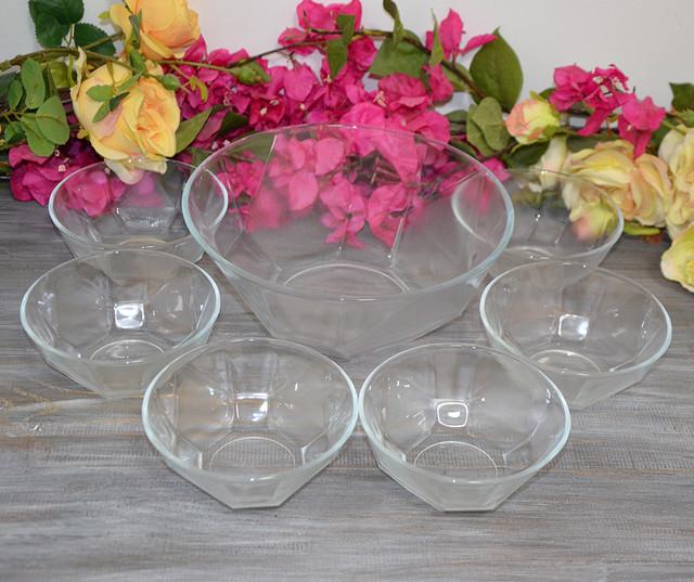 Набор стеклянных салатников (фото)