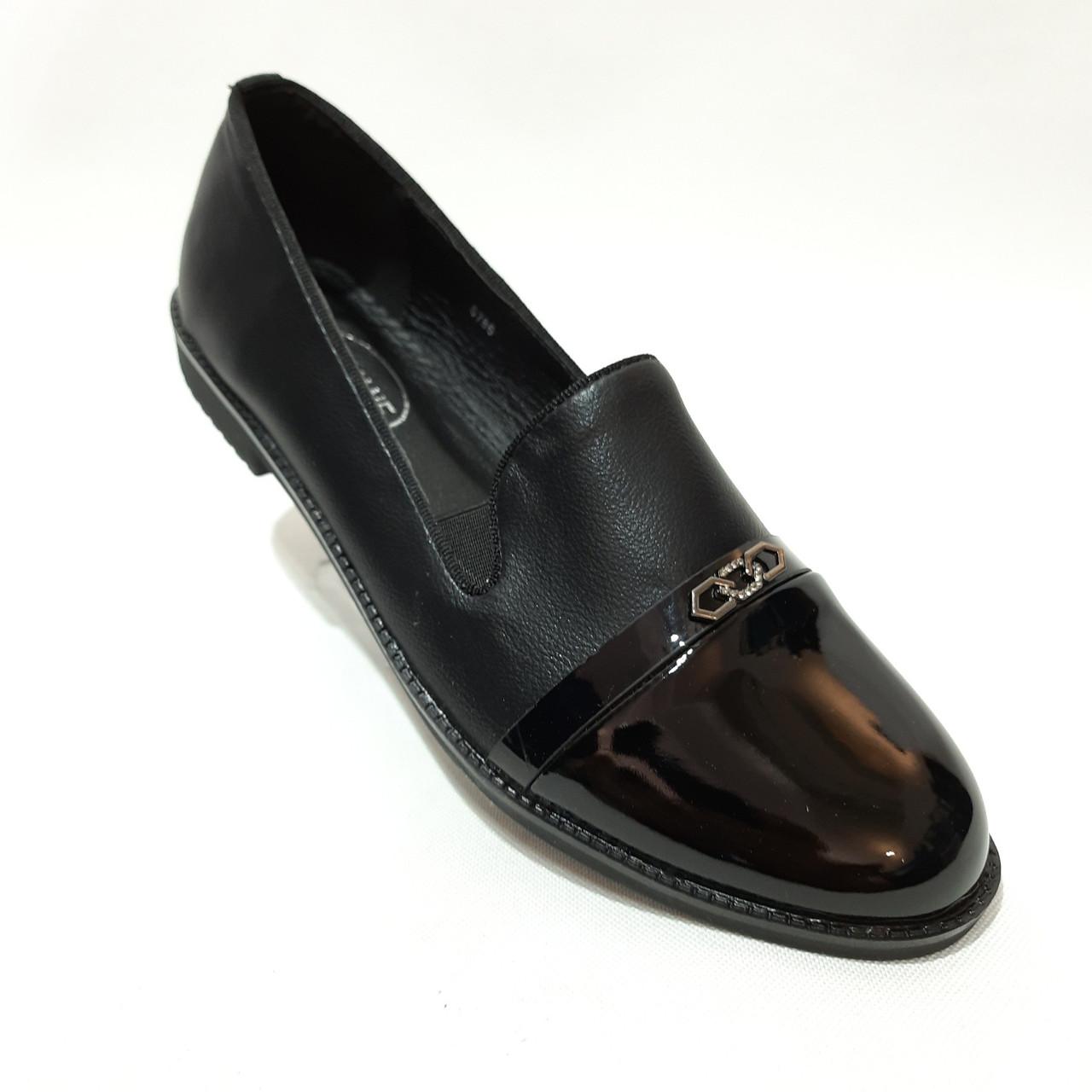 38,39 р. Туфли женские весенние открытые с лаковым носком молодёжные