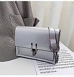 Женская классическая лаковая серая сумочка на цепочке клатч LOVE серый, фото 8