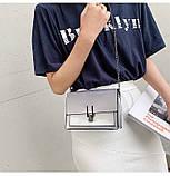 Женская классическая лаковая серая сумочка на цепочке клатч LOVE серый, фото 10