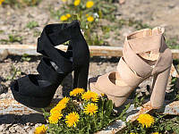 Вечерние босоножки на каблуке экозамша KF0578