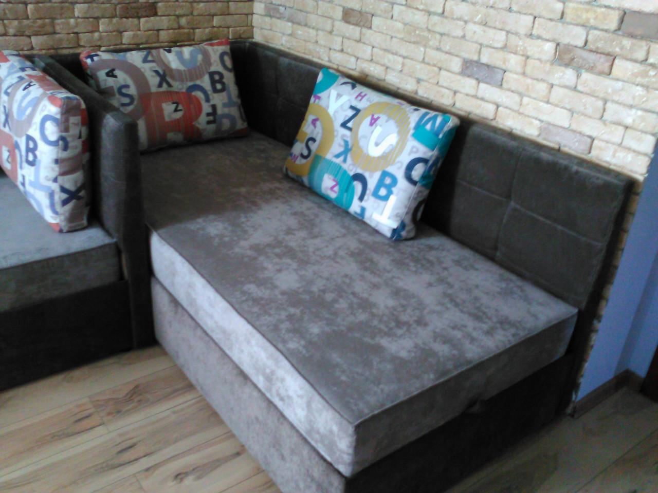 Угловые кровати для детской комнаты