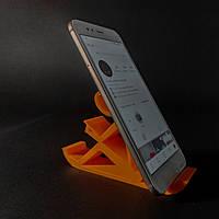 """настольная подставка держатель для телефона """"Человек с книгой"""""""