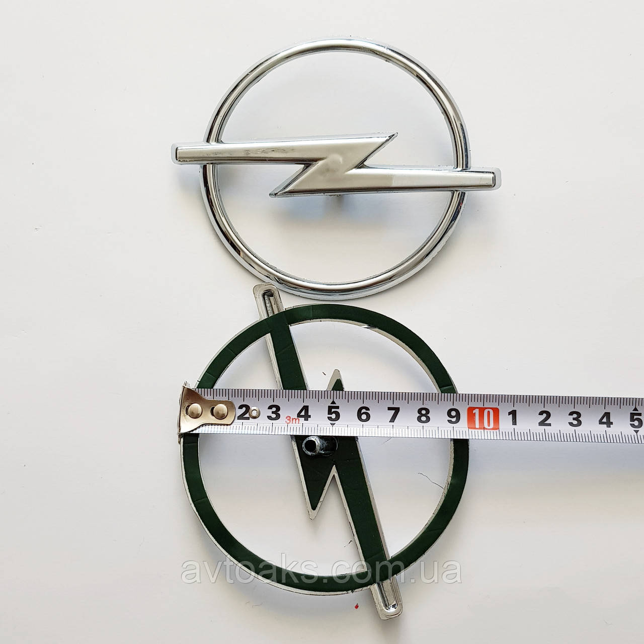 Эмблема Opel Astra G, в решотку, диам. 96 мм.