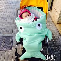 Конверт-одеяло в виде акулы с зубами. Детский конверт осень-весна 83х65см.