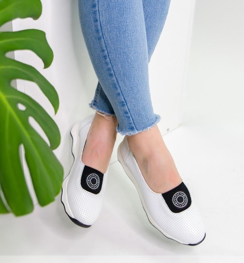 Белые летние кожаные спортивные женские туфли 36-41