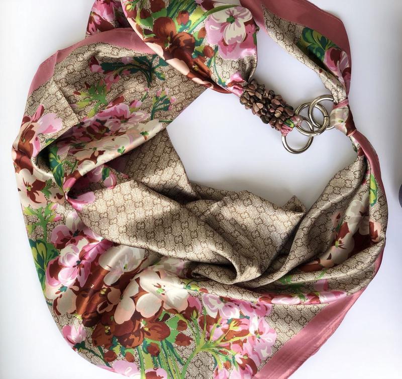 """""""Ніжна сакура"""" атласний шарф, атласний хустка, шарф-кольє, шарф-чокер, шийна хустка"""