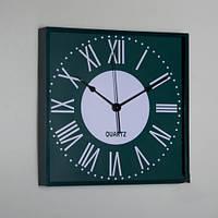 Стильные часы на стену 28х28х4см.