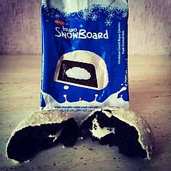 Кекс шоколадный «Bravo» с кокосом в белой глазури 50 гр 24 шт