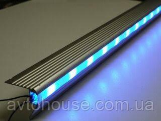 Алюминиевый уголок для освещения подиума  цена за 1 шт. Длина 2.5м