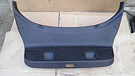 Пластик накладка крышки багажника Mitsubishi Carisma Каризма хэтчбек 2000 г.в., MR 793010, MR793010