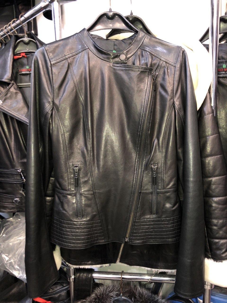 Черная ассиметричная кожаная куртка Турция