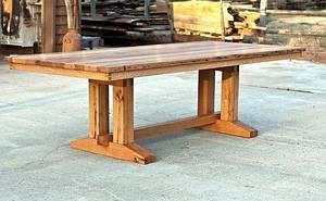 Разборной деревянный стол