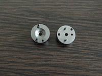 Проставка дизельной форсунки MAN. Размер 18 мм. - 5 мм, Штифты 1,8 и 2,5 мм. 2 430 136 166.