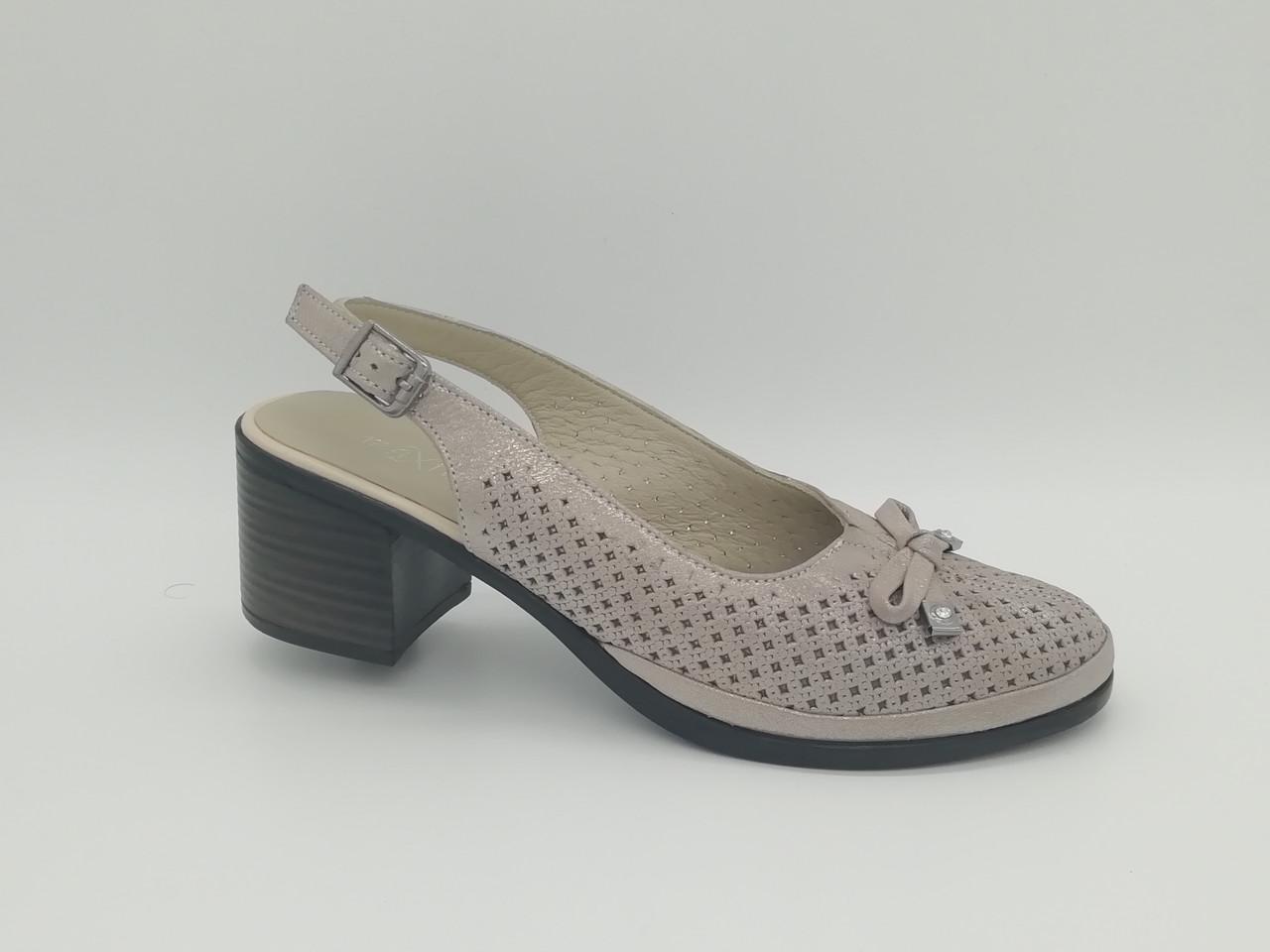 Кожаные босоножки на каблуке. Большие размеры ( 41 - 43 ). Турция.