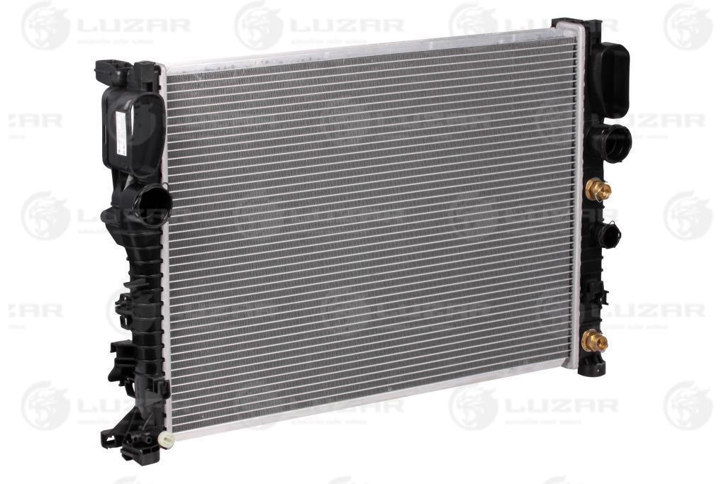 Радиатор охлаждения E (W211) (02-)/CLS C219 (04-) АКПП (AC +/-) (LRc 15111) Luzar A2115000102;A2115001302