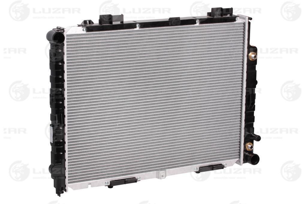 Радиатор охлаждения Mercedes-Benz E (W210) (95-) МКПП/АКПП (AC +/-) LRc 15109 Luzar A2105003003 A2105002903
