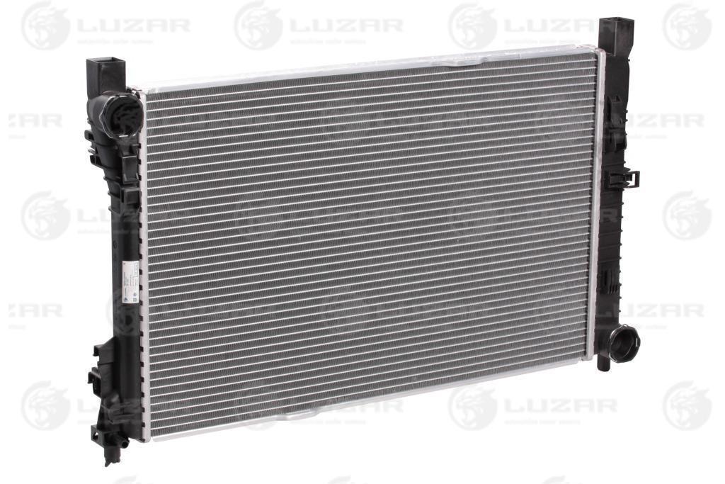 Радиатор охлаждения Mercedes-Benz C (W203) (00-) МКПП LRc 1503 Luzar A2035000303 A2035000503 A2035001003