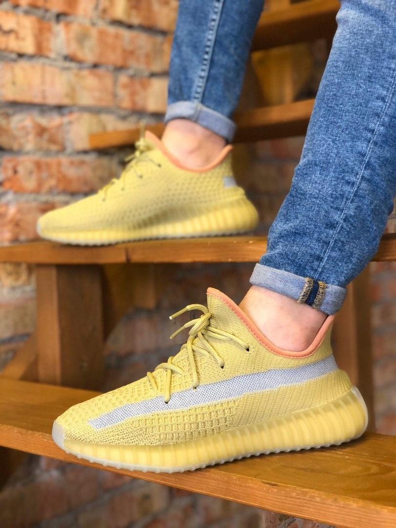 Кроссовки мужские Adidas Yeezy.Стильные кроссовки желтого цвета.