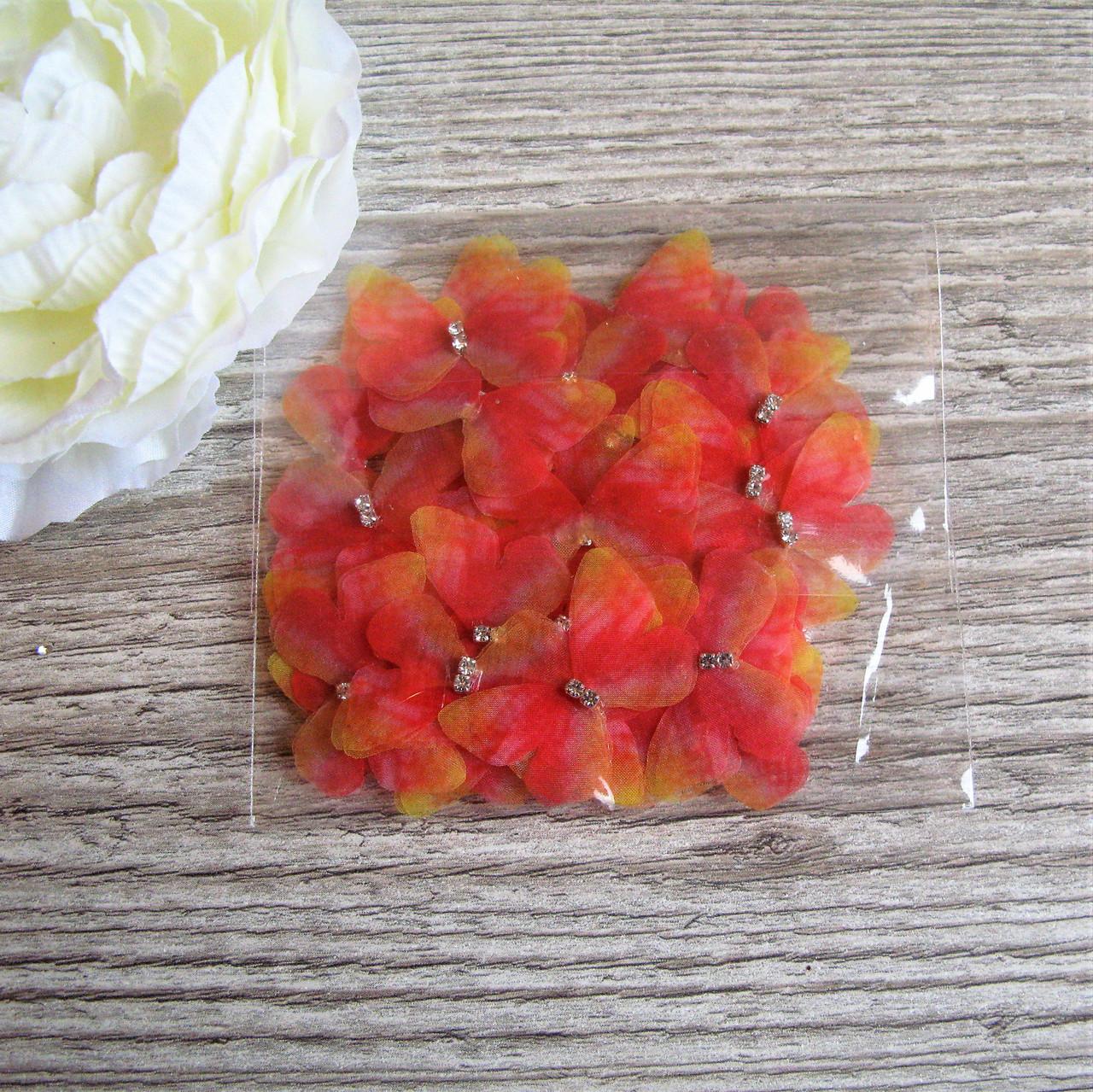 Бабочки маленькая из шифона.  Желто красная 3 на 2.3 см