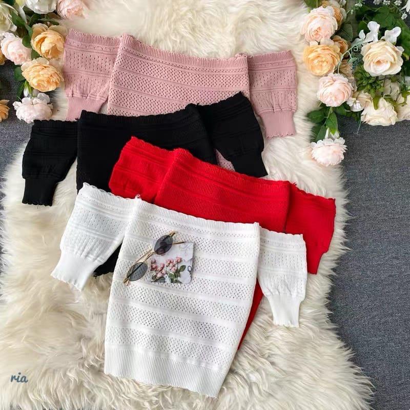 Топы с открытыми плечиками . Цвета: чёрный, белый, красный, пудра(6283)