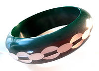 Браслет жесткий широкий диаметр 6,7 см зеленый