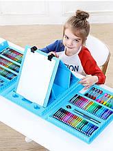Набор для рисования и творчества в чемоданчике с мольбертом.