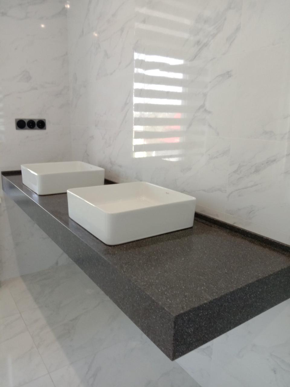 Столешницы в ванную комнату из Bienstone GB 236