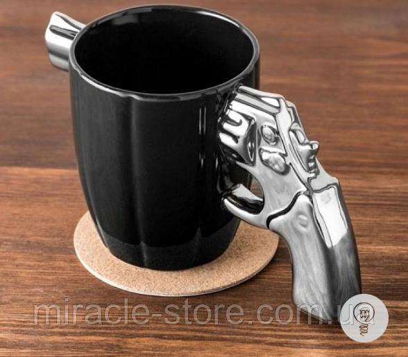 Подарункова Гуртка в цікавому дизайні у вигляді револьвера
