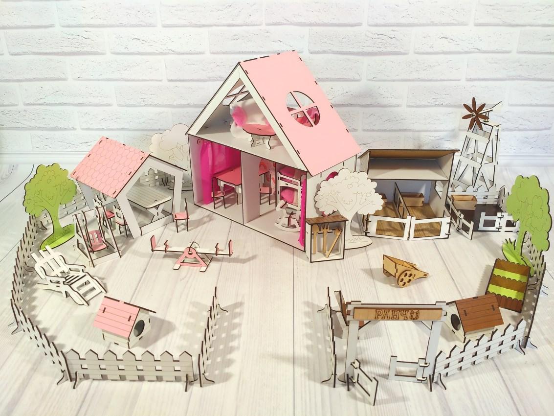 Деревянный домик для кукол LOL с двориком и фермой