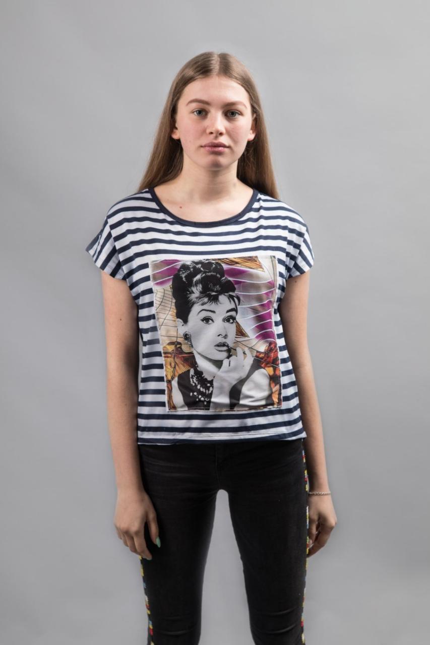 Женская футболка портрет Норма