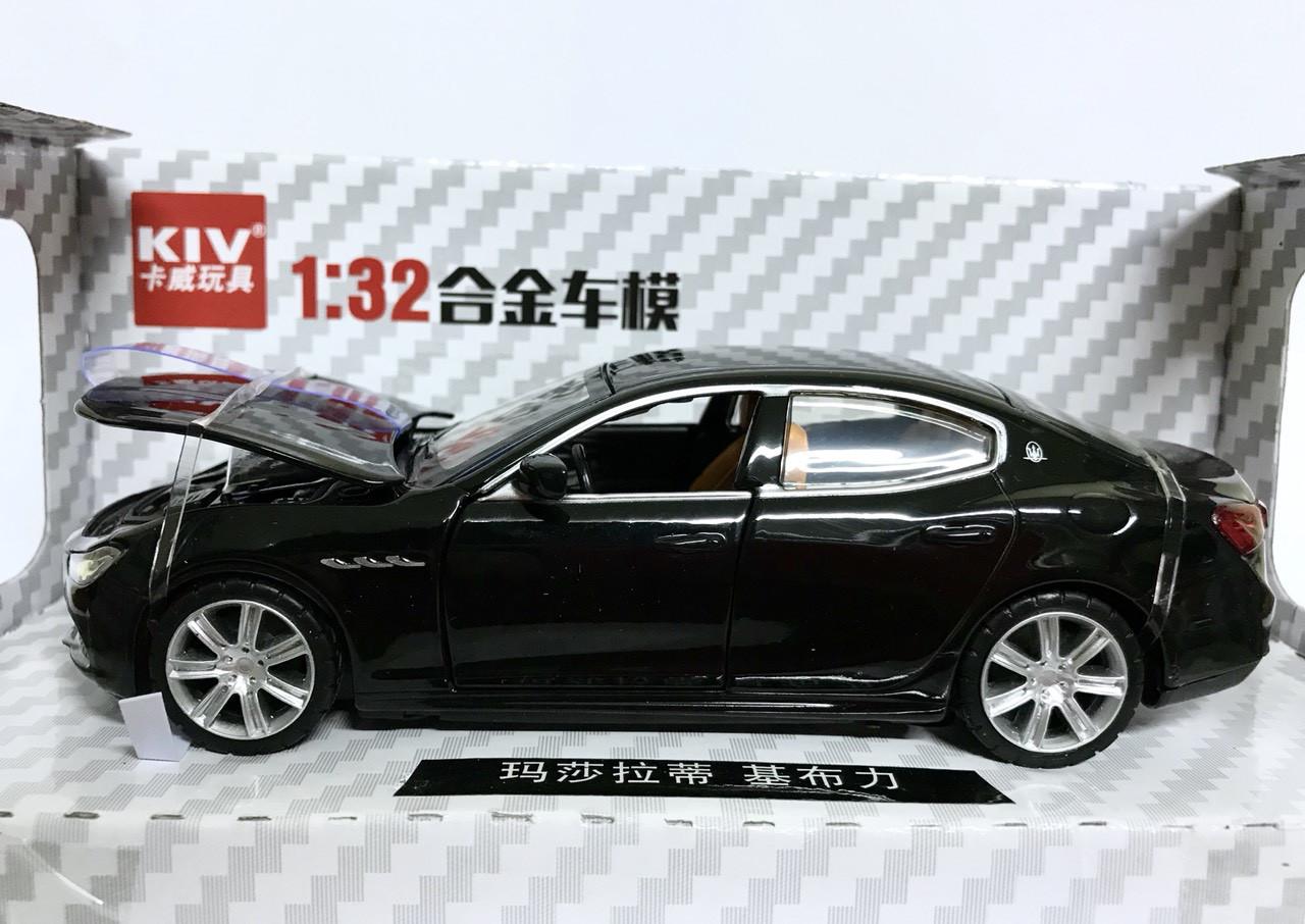 Машинка  Maserati (Мазерати) 1:32( металл,черный)