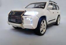 Машинка Lexus LX570 коллекционная 1:24 XLG  белая