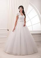 Роскошное свадебное  платье с  шикарным бантом