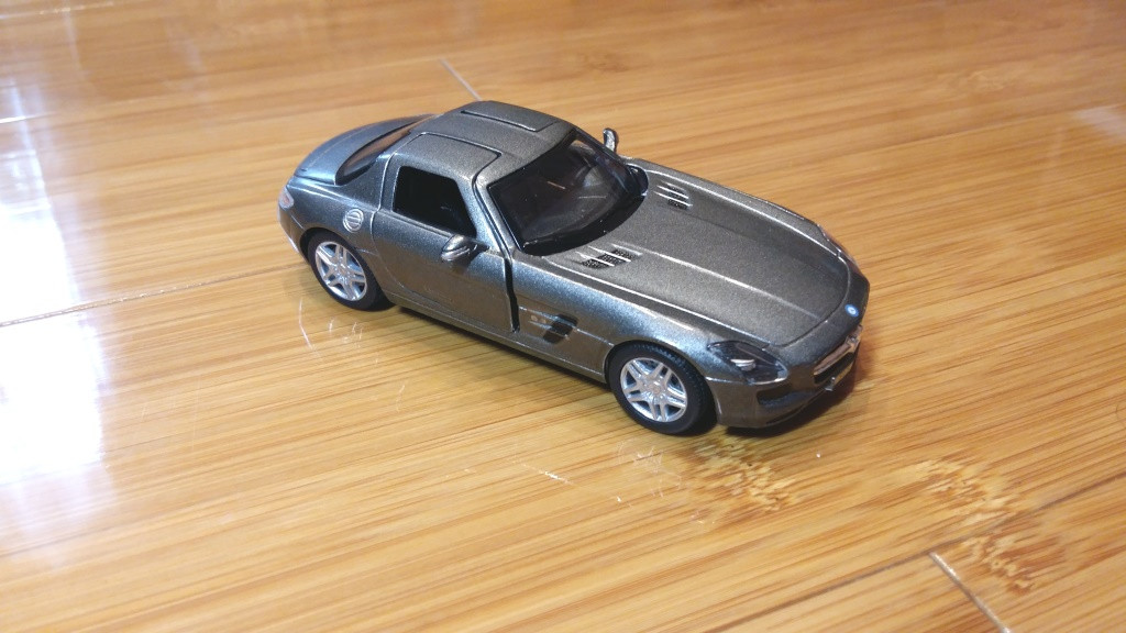 Машина металл Mercedes-benz SLS-klass 1:36