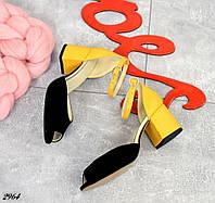Женские черные босоножки натуральная замша на кожаном желтом каблуке
