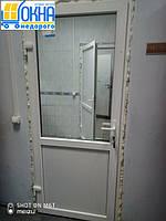 Межкомнатные пластиковые двери