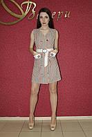 Летнее легкое молодежное мини платье-рубашка светлое в бело-бежевую полоску, повседневное под пояс