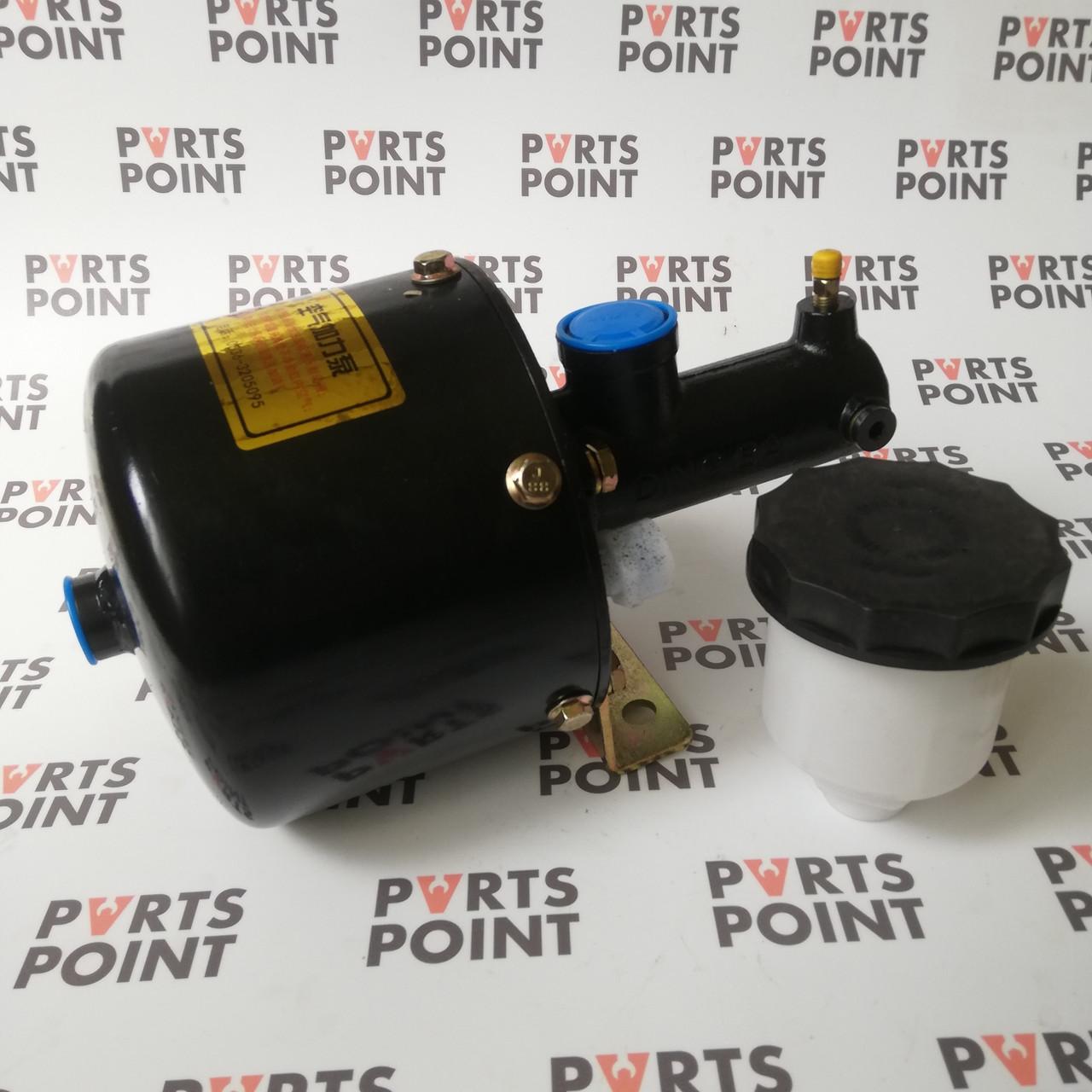 Головний гальмівний циліндр з вакуумником на навантажувач zl50, zl30, cdm855