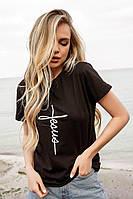 Женская базовая футболка однотонная с минималистичными принтами в размерах от 42 до 50