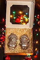 Подарки к новому году - Шоколадный снеговик девочка - черный шоколад