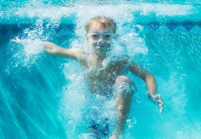 чистая воды в бассейне с использованием мотаных фильтров Astral Ivory