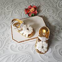 Белые босоножки пинетки для девочки, фото 1