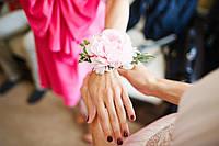Бутоньерка пион нежно розовый на руку