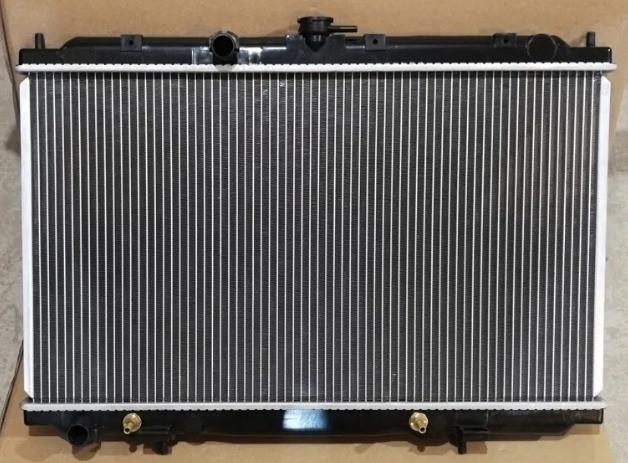 Радиатор Алмера Тино 1.8 , Радиатор Almera Tino 1.8