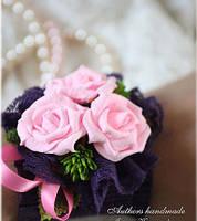 Бутоньерка  на руку в сиренево розовых тонах, фото 1